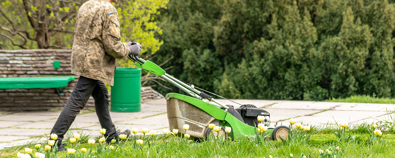 Gardening Equipment That Helps To Make Your Lawn More Beautiful